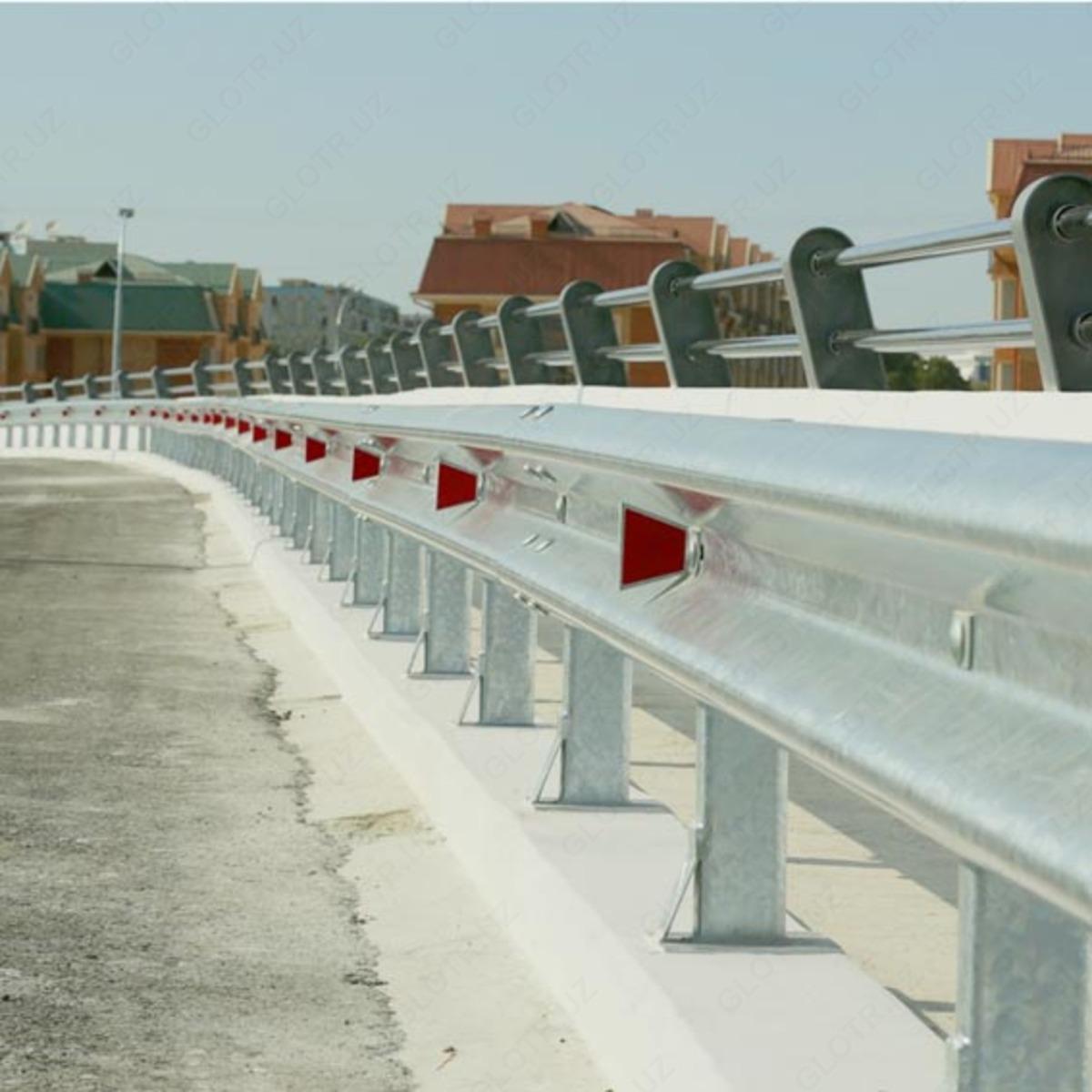 Дорожное барьерное ограждение в Узбекистане - монтаж и выбор конструктива